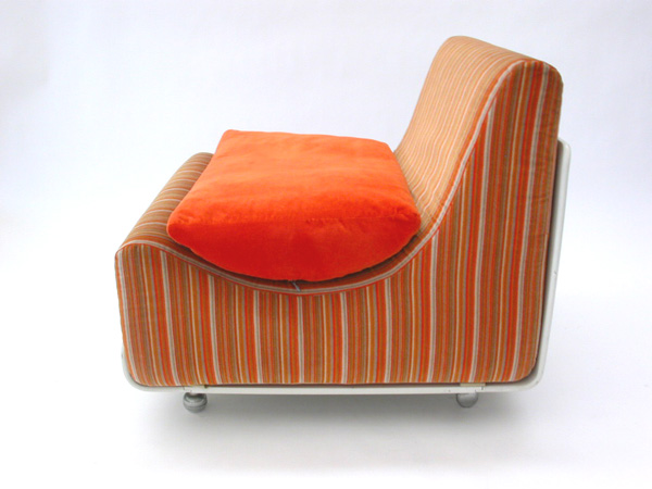 Pair of lounge chair mod. Orbis