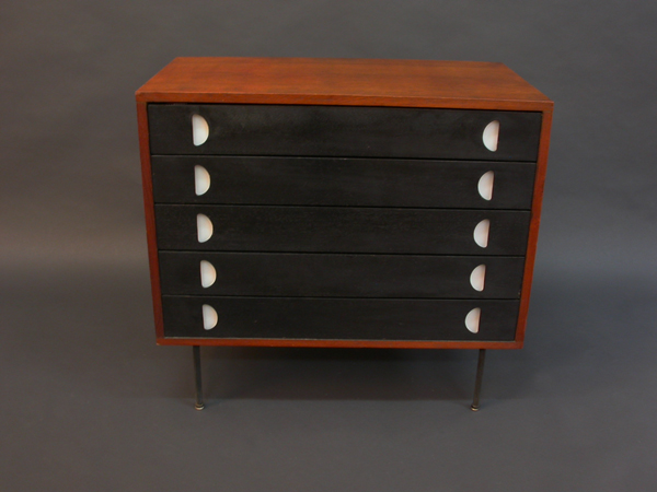 Rare chest of drawers