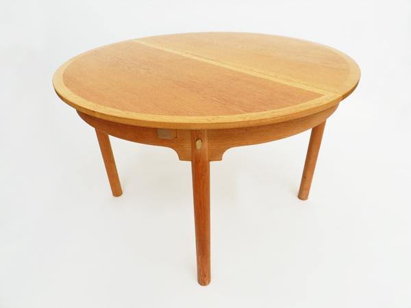 Adjustable table mod. Øresund