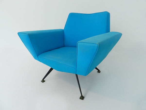 Pair of armchairs mod. 538