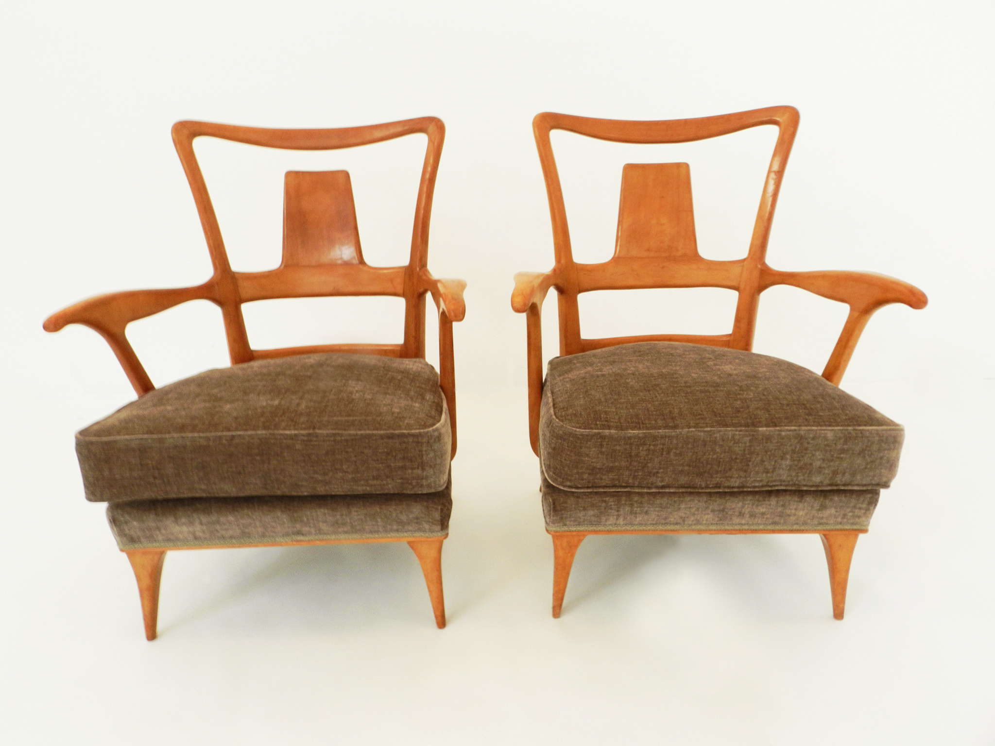 Pair of elegant italian armchairs