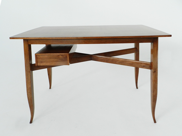 Elegant small desk
