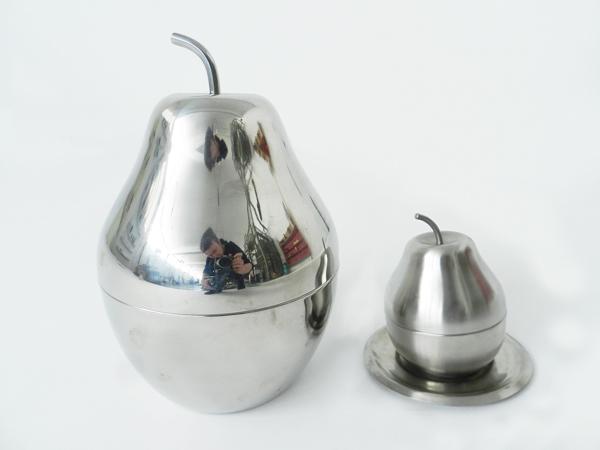Pear bowl and sugar bowl