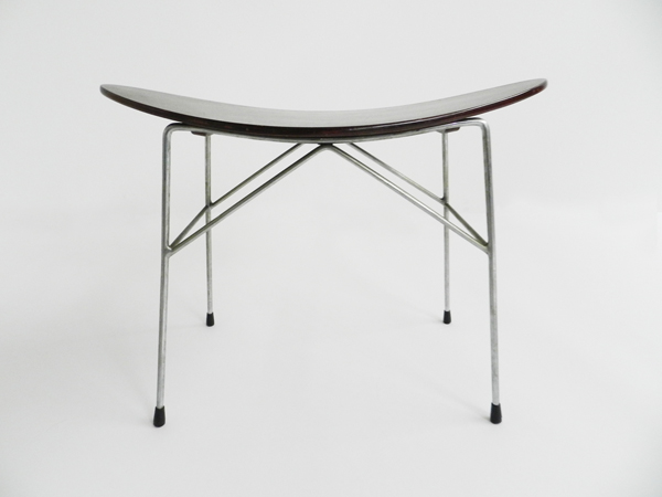 Bend stool