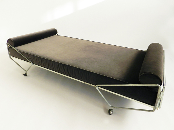Daybed from the Apta Series
