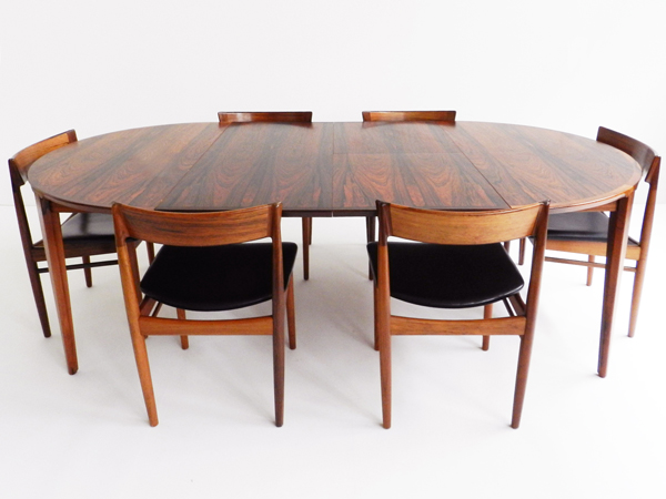 Big adjustable table with chairs