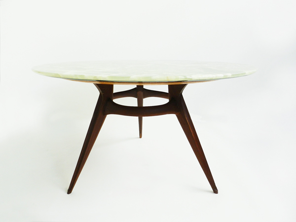 Spectacular italia onyx round table