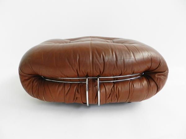 Leather ottoman mod. Soriana