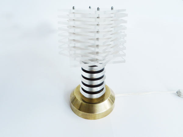 Plexi table lamp