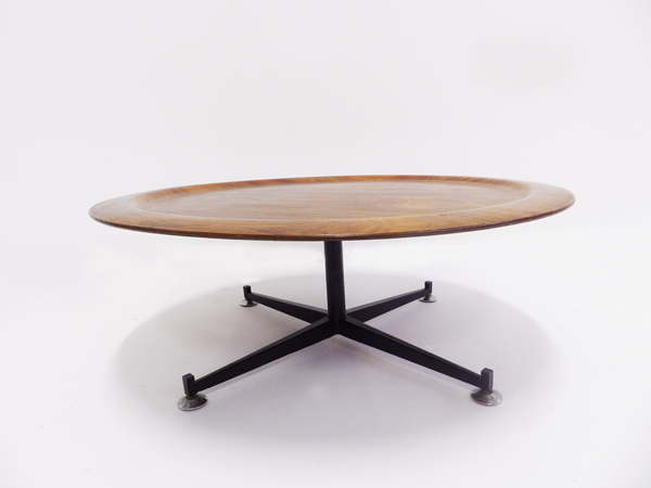 Revolving coffee table