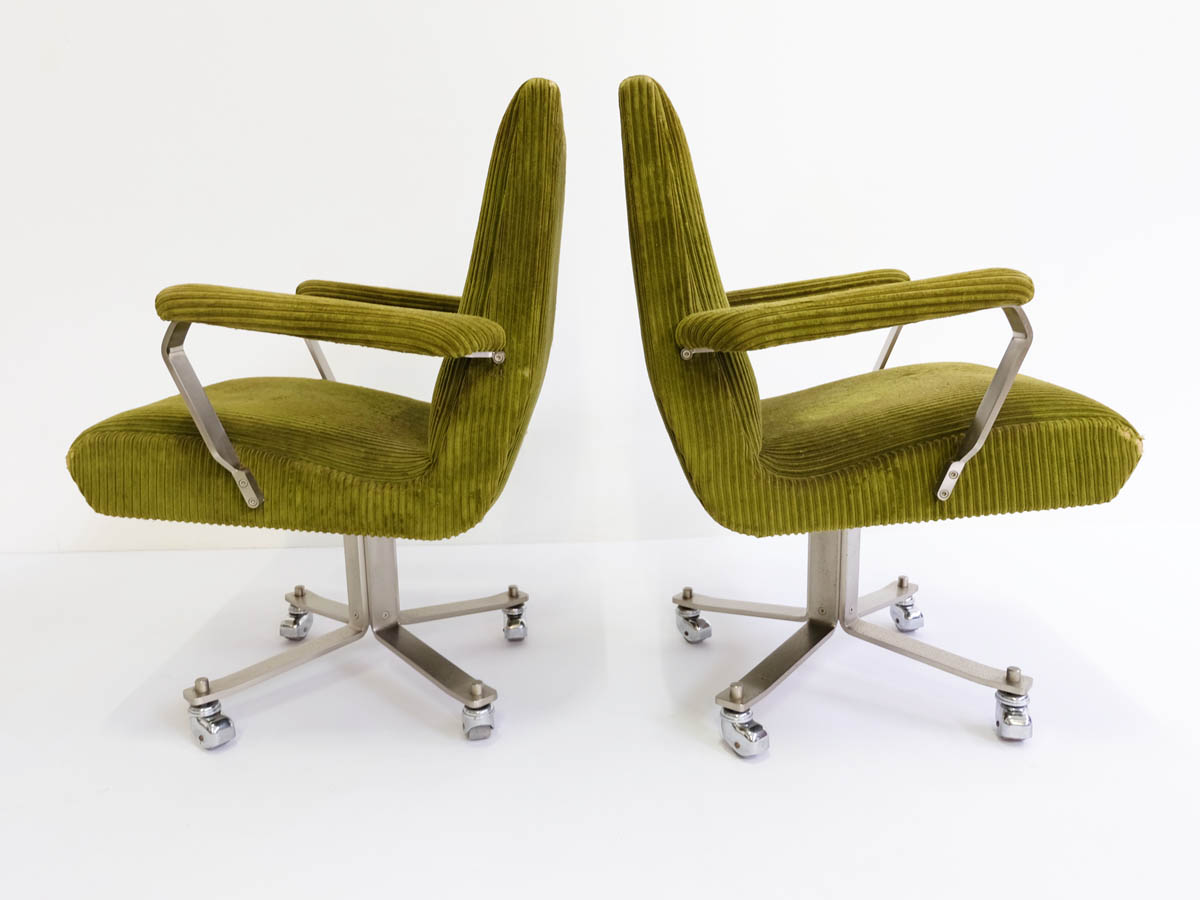 2 Executive revolving office armchairs