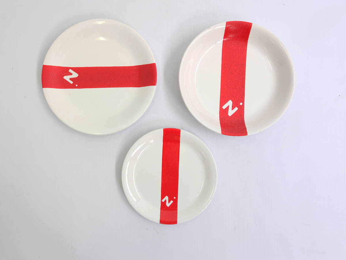 Set of 30 dishes