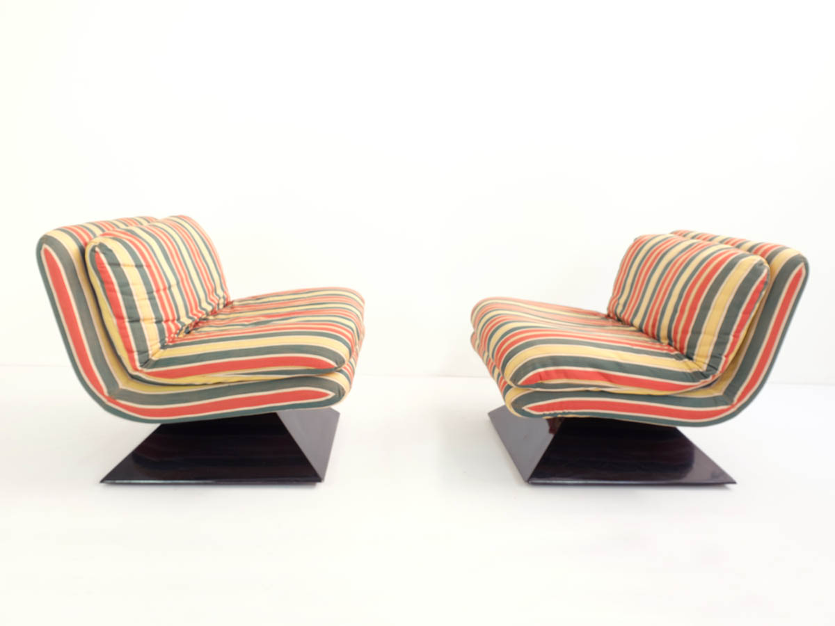 3 Space age lounge chairs