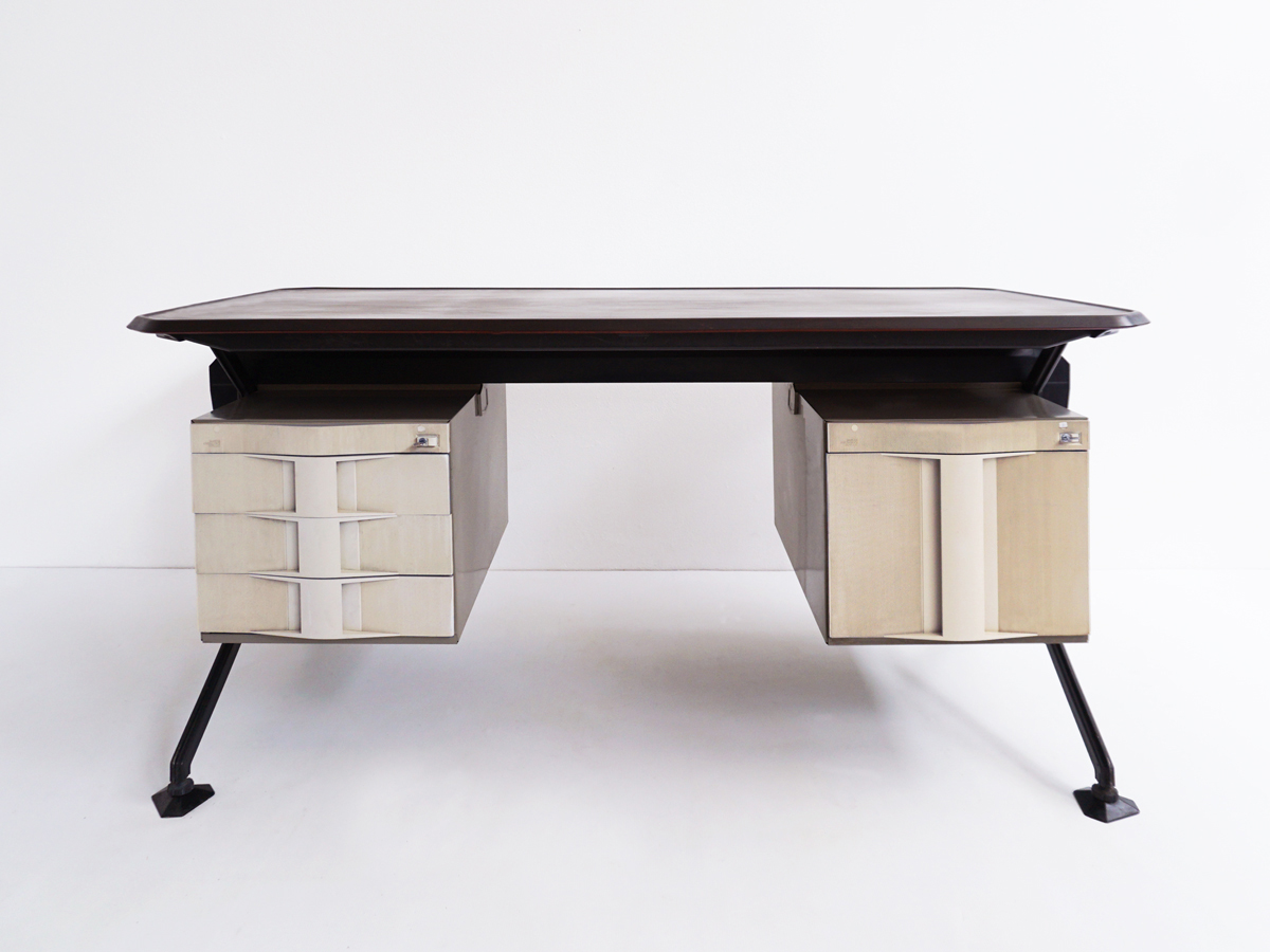 Iconic Olivetti desks mod. Arco - set of 2 pieces