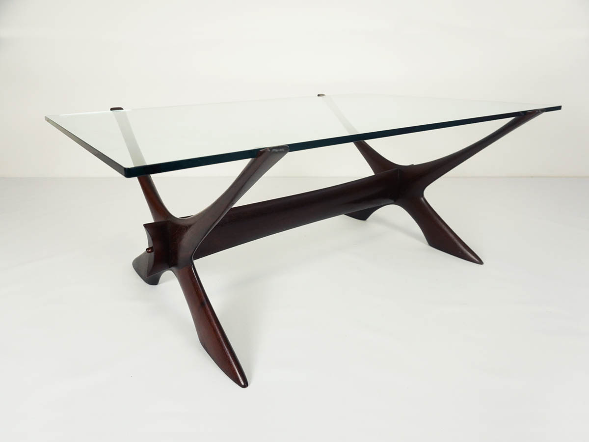 Elegant cocktail table