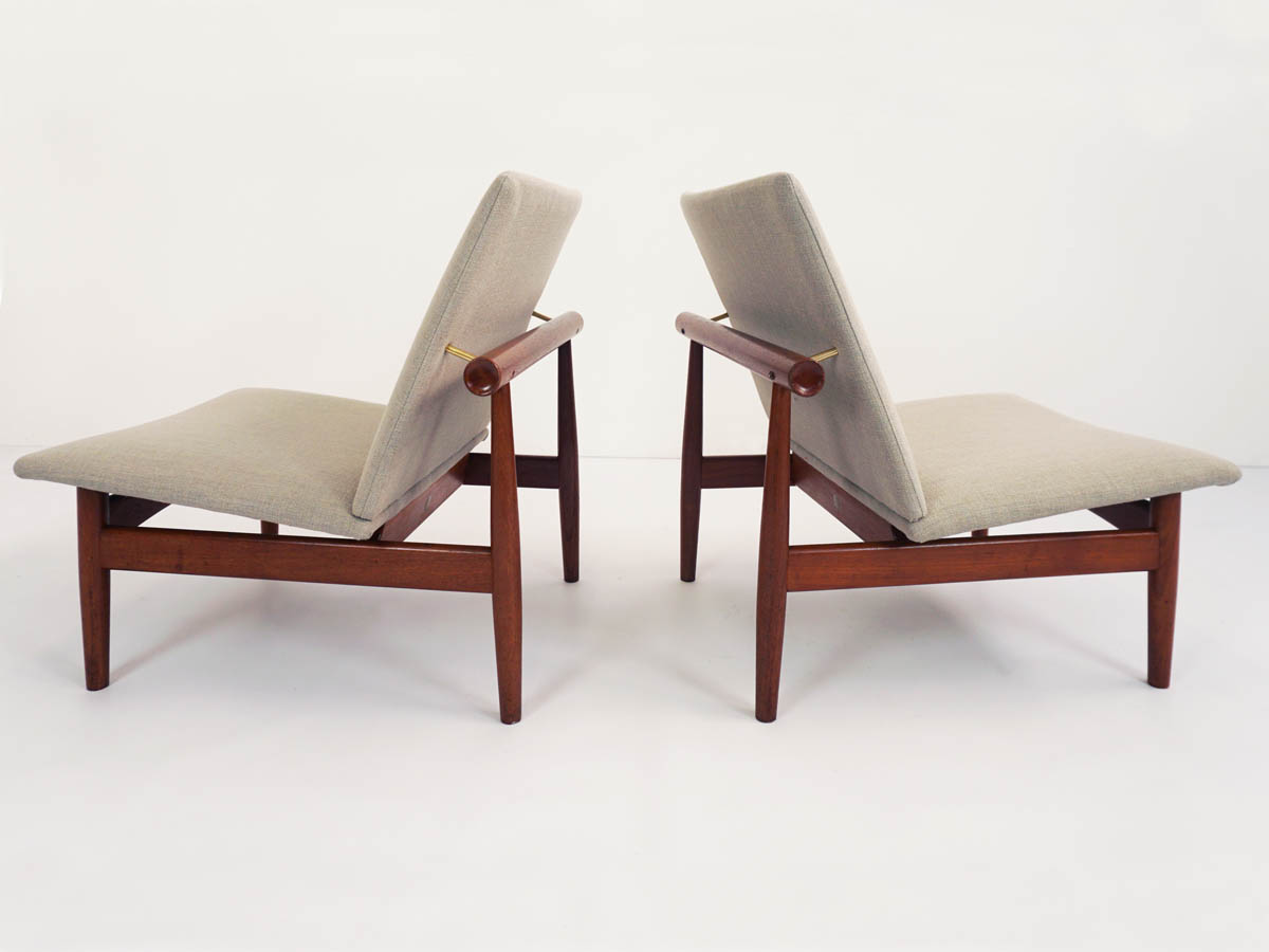 2 Lounge chairs mod. Japan 137