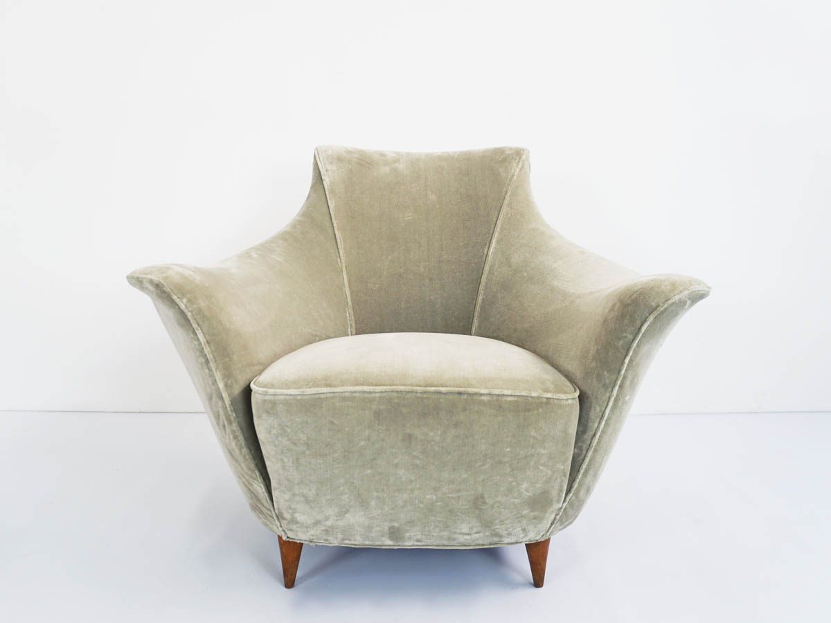 Dolphine armchair