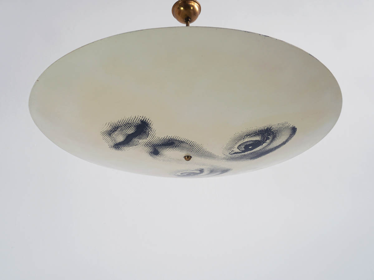 Iconic face pendant lamp