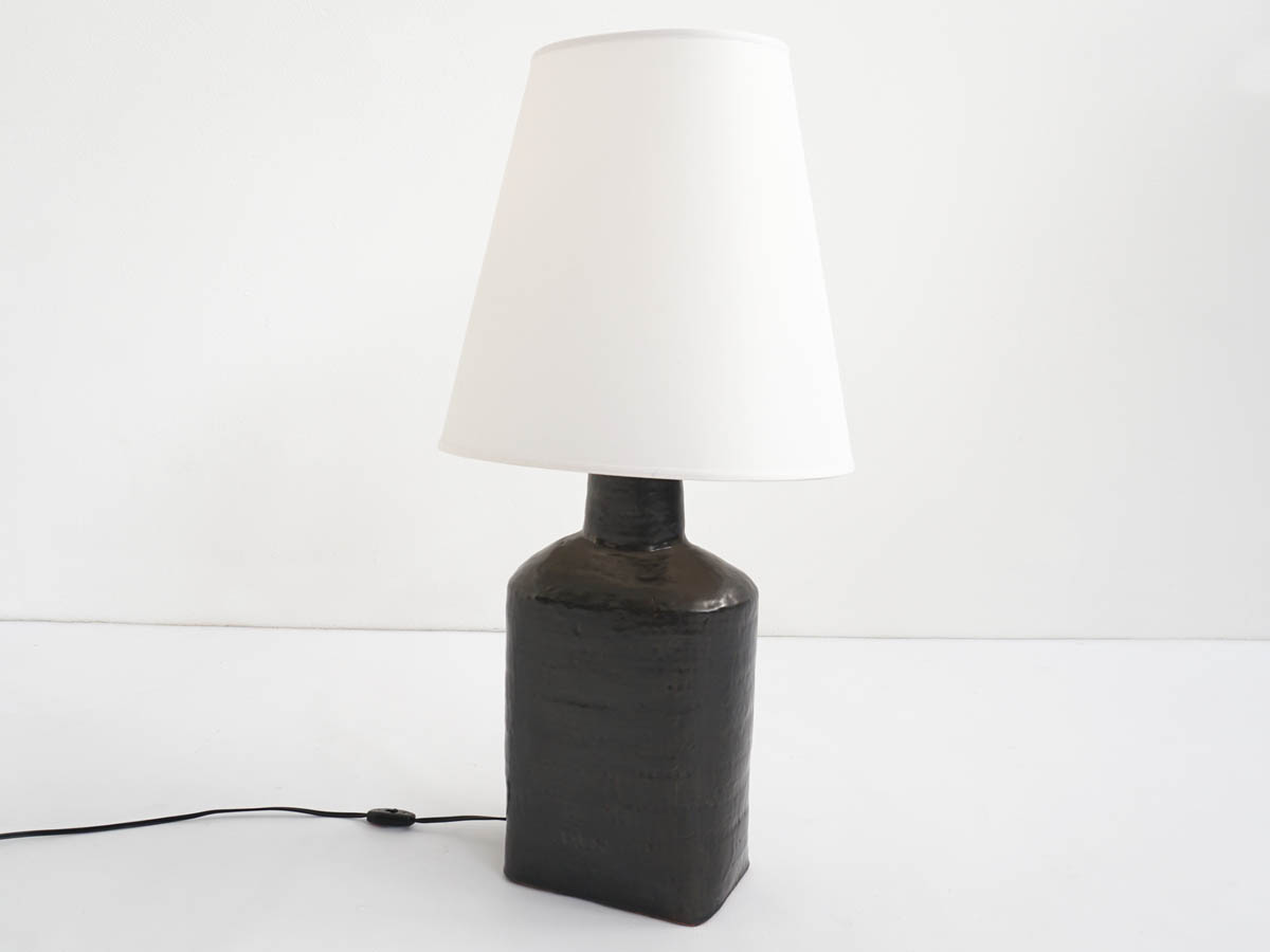 Big ceramic table lamp