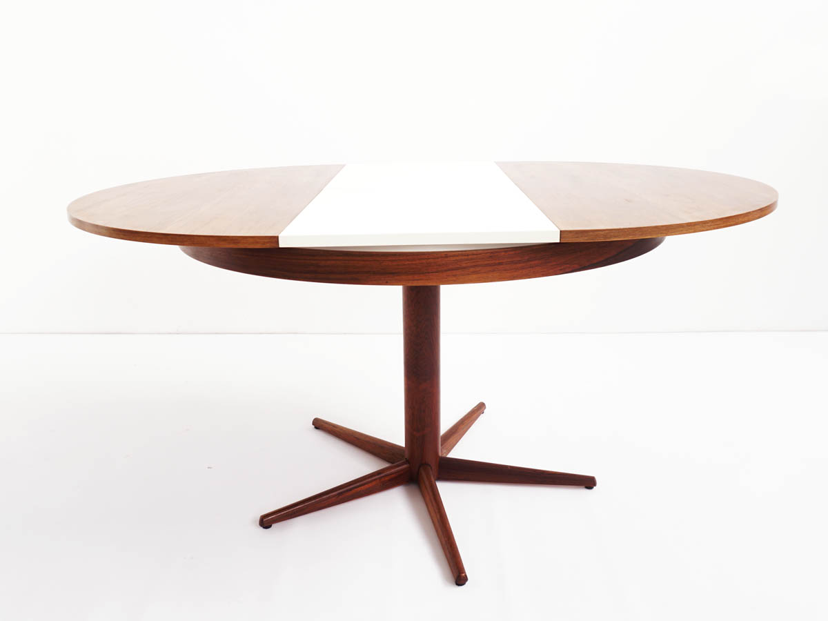 Extendable dining table in Brasilian Rio Palissander