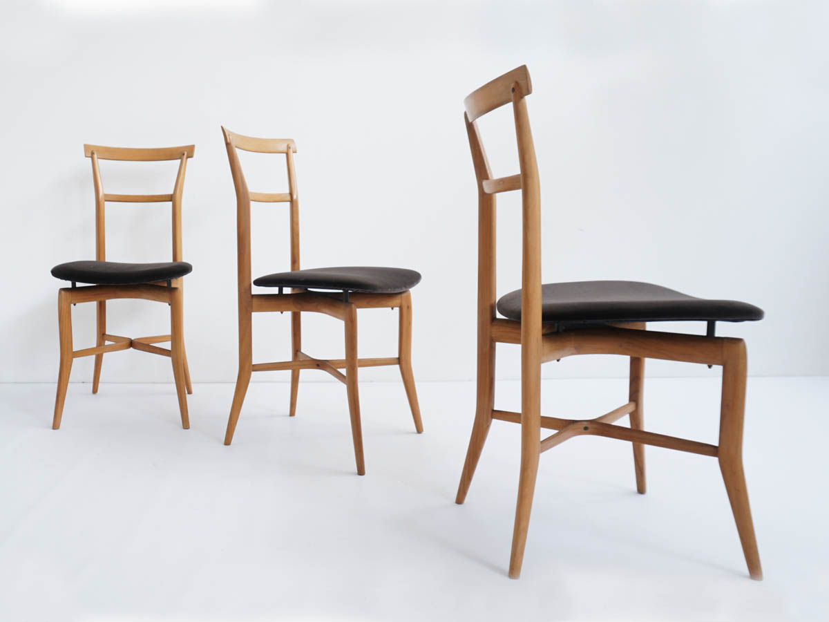 6 Italian Chairs in Light Wood