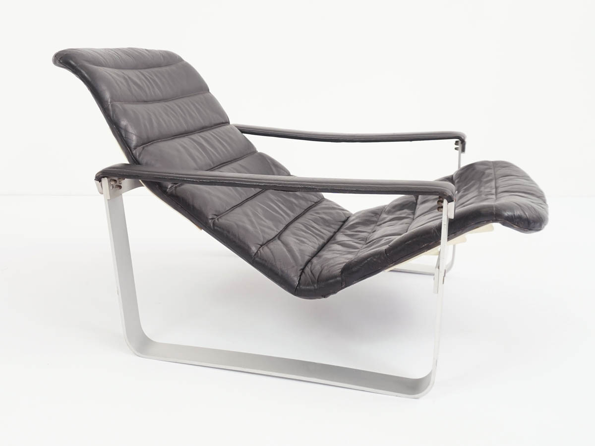 Black Leather Lounge chair mod. Pullka