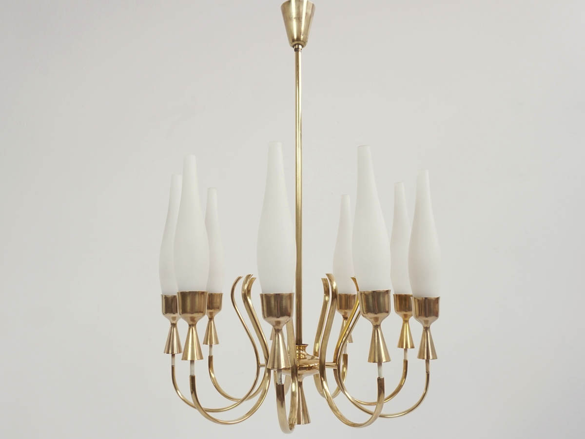 9 Arms Elegant Chandelier in Brass and Opaline Glass