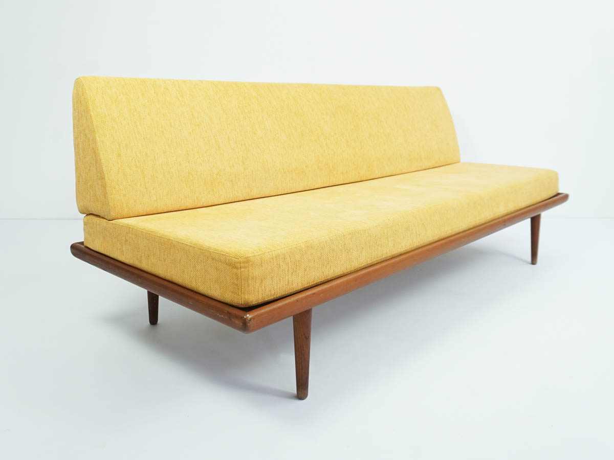Sofa or day bed mod. Minerva