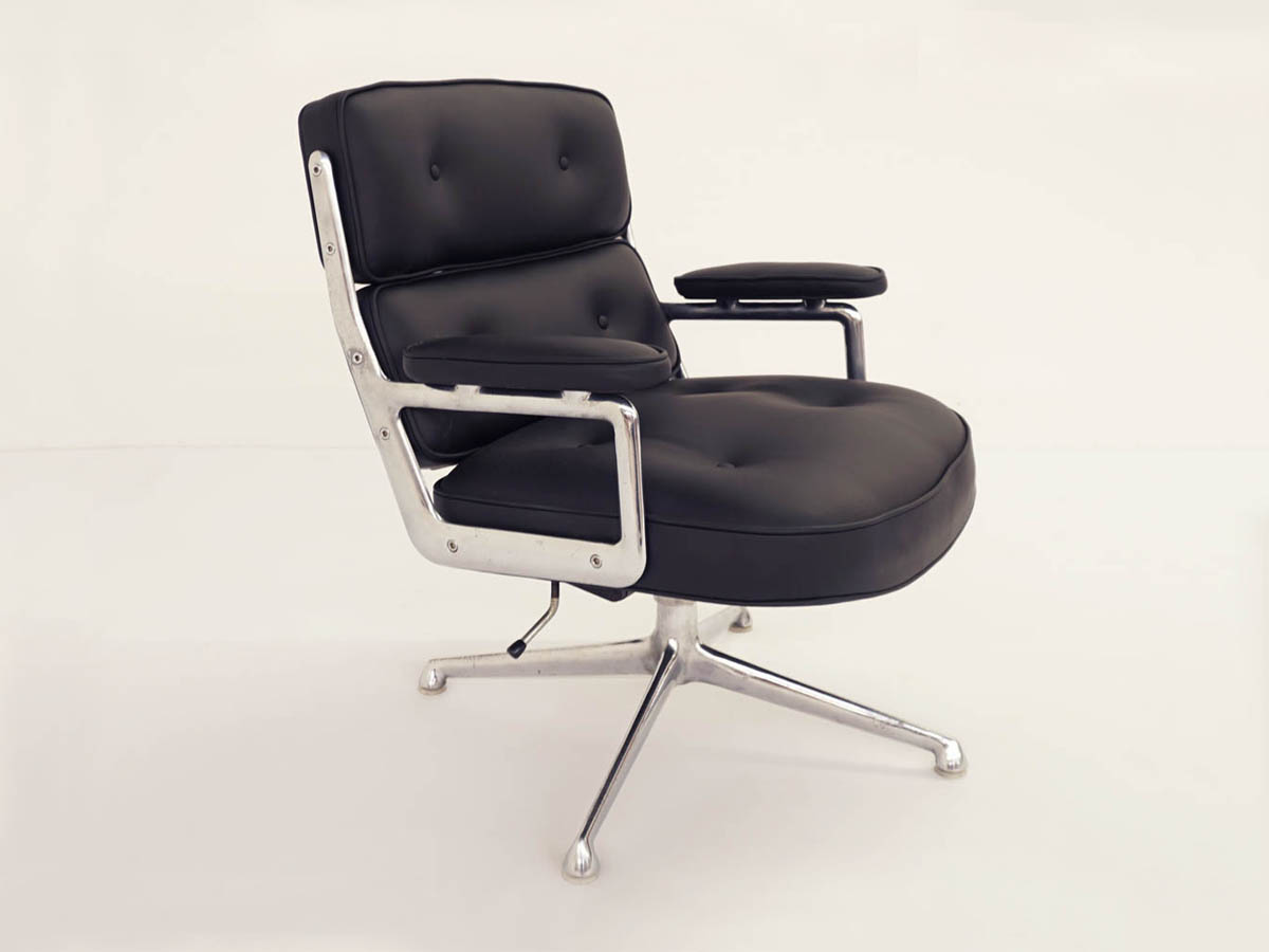 Herman Miller Black Leather Swivel Lobby Chair ES 104