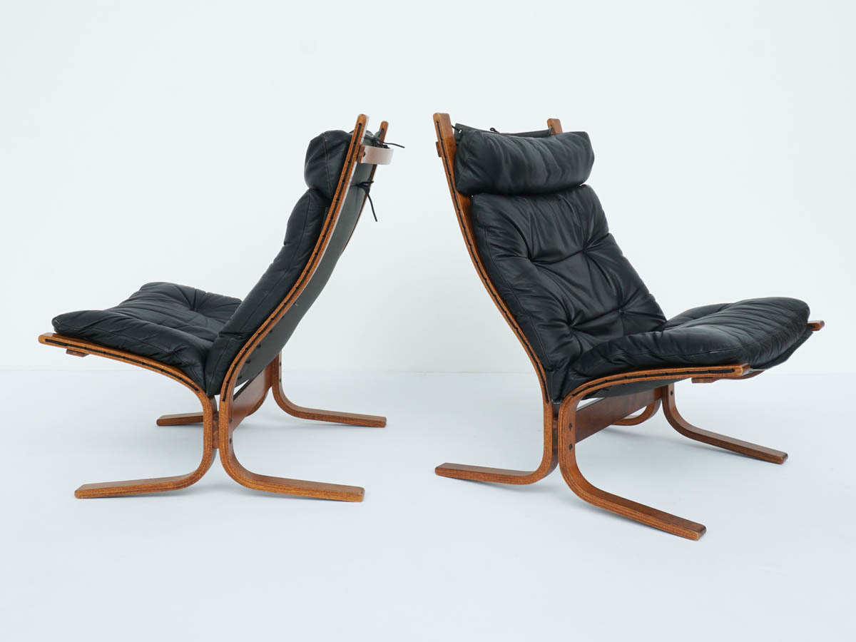 Super Comfortable Black Leather High Back Armchairs mod. Siesta